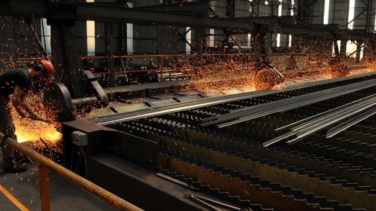 Çin'de çelik üretimi, üretim kontrolleri sebebiyle düşüş gösterdi