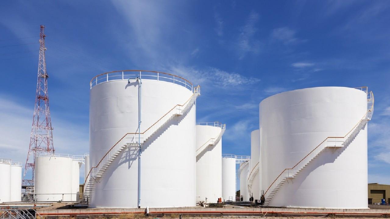 Avrupa'da gaz, düşük LNG arzına rağmen yatay seyrediyor
