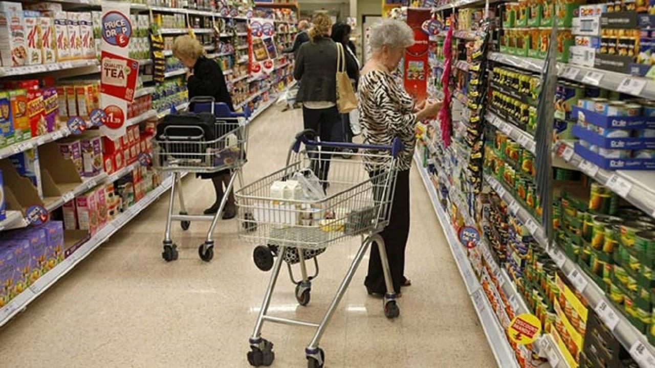 İngiltere'de tüketici güveni 8 ayın en düşük düzeyinde